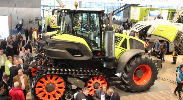 Claas Axion Terra Trac, czyli traktor z podwoziem kołowo-gąsienicowym