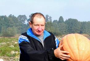Grzegorz Barczyński od ponad 30 lat uprawia dynie, które wykorzystuje w żywieniu zwierząt
