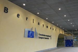 """Komisja Europejska odkłada na później strategię """"od pola do stołu"""""""
