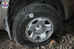 32-latem poprzebijał opony w trzech samochodach należących do sąsiadów.