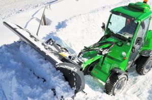 Sprawne odśnieżanie dróg dojazdowych zapewnić ma wg. Avant lemiesz do śniegu.