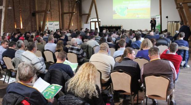 Żywe dyskusje na konferencji w Topaczu