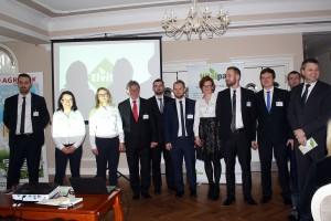 Wspólny front firm Elvita i Agrolok