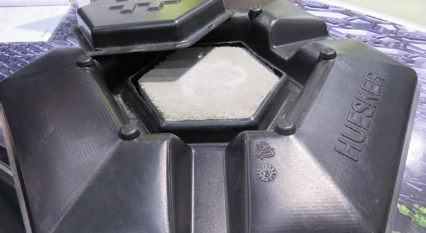 Prosty sposób przykrycia zbiorników z gnojowicą