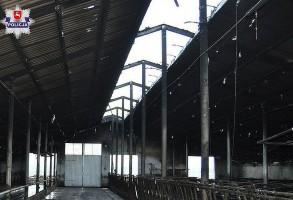 Rolnik spadł z dachu remontowanej obory