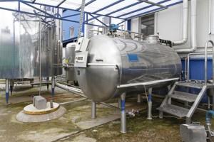 UE: W styczniu spadła średnia cena płacona za mleko przez wiodące mleczarnie