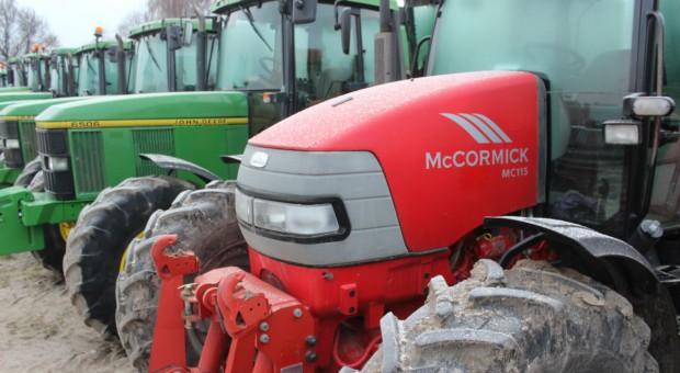 Sprzedaż używanych traktorów trzykrotnie wyższa niż nowych