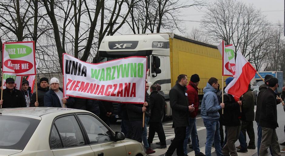 Kolejne gminy i regiony chcą dołączyć do rolniczych protestów pod Sieradzem