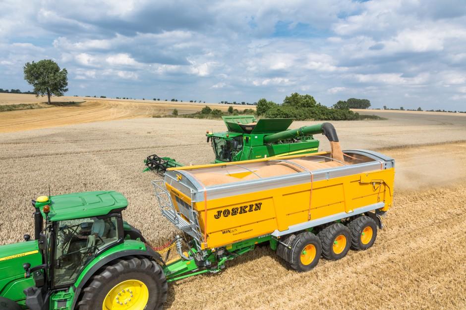 Ze względu na wysoką szczelność przyczepy skorupowe bardzo dobrze nadają się do przewozu zbóż i rzepaku