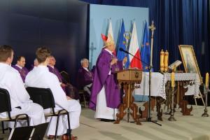 Okolicznościową mszę odprawił biskup Henryk Tomasik