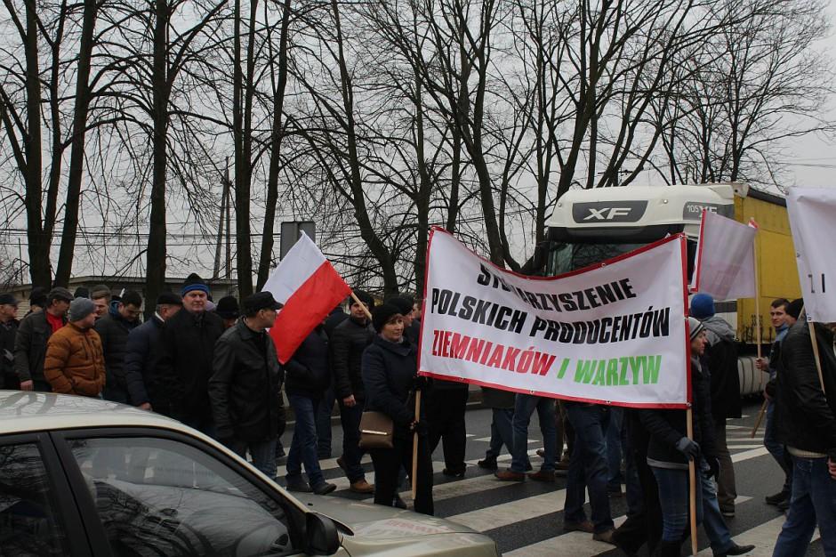 W każdym z dotychczasowych protestów wzięło udział 200-300 rolników.