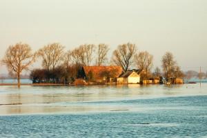 Wody Polskie chronią przed powodzią i suszą