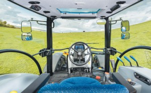 New Holland T4S 04.jpg