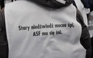 """""""Rolnika zostawia się z niczym"""" - protest rolników na targach Agrotech"""