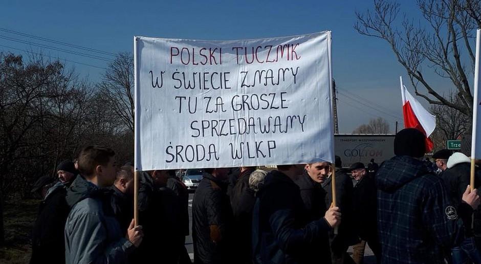 Wielkopolska: Rolnicy protestowali w Koszutach na drodze krajowej nr 11