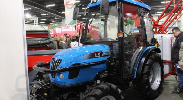 Kompaktowy traktor LS Mtron R60