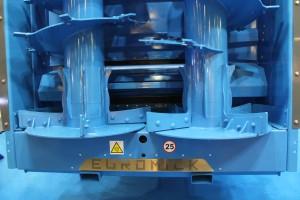 Talerze o średnicy 1050mm z wymiennymi łopatkami pozwalającymi rozrzucać np. wapno, co jeszcze bardziej rozszerza paletę zastosowań rozrzutnika Buffalo, fot. ArT