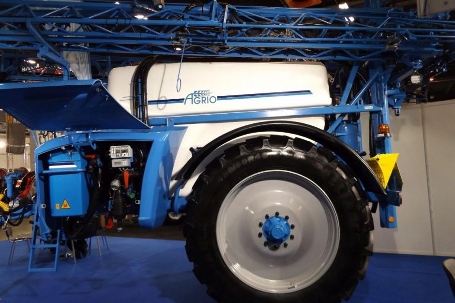 Kompaktowa, zwarta konstrukcja mieści zbiornik o pojemności blisko 4 tys. litrów