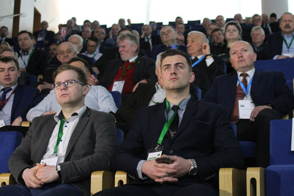 Debacie poświęconej innowacjom w Jasionce przysłuchiwało się ponad tysiąc uczestników forum.