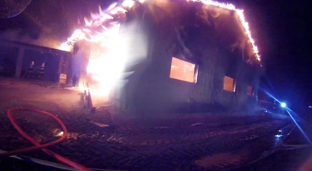 Piroman podpala sterty i gospodarstwa. Cztery pożary w jednej wsi