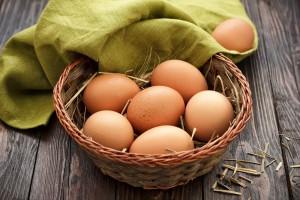 Na Wielkanoc jaj będzie mniej i będą droższe