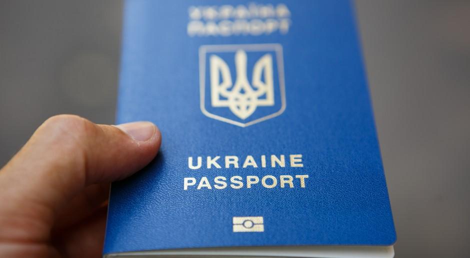 Pracodawcy częściej chcą zatrudniać Ukraińców na dłużej