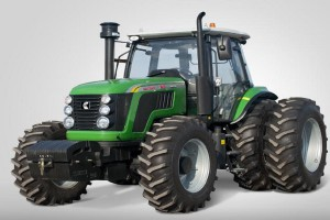 Detank AA2104, chińskie ciągniki często sprzedawane są pod różnymi markami fot. tractors.wikia.com
