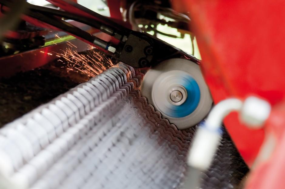 W system ostrzenia AutoCut można wyposażyć przyczepy rotorowe marki  Pöttinger