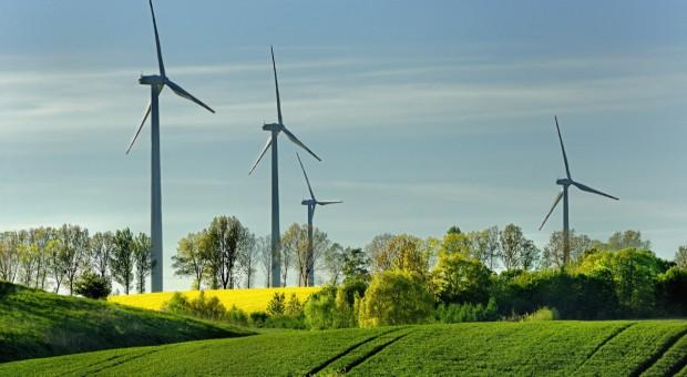 Raport: 27 mld euro inwestycji w energetykę wiatrową w UE w 2018 r.