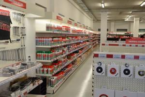 Sklepy Würth oferują szeroki asortyment: od narzędzi, przez preparaty smarujące aż po produkty BHP