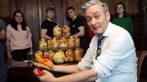 Warsztaty kiszenia warzyw i owoców z Biedroniem
