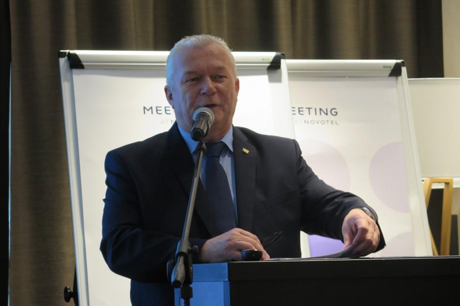 Leszek Hądzlik, Prezydent PFHBiPM wita uczestników spotkania fot. ID