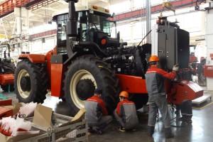 Na którym dokładane są kolejne komponenty traktora