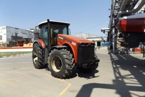 Powstają tu także z części dostarczonych z Kanady mniejsze, konwencjonalne traktory