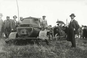 Ciągniki gąsienicowe były bardzo popularne w okresie międzywojennym, źródło: http://atr-agri.com