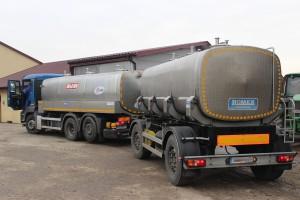 Spadek cen mleka stopniowo wyhamowuje