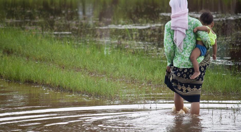 Pięć osób zmarło po wypiciu wody skażonej herbicydami w Kambodży