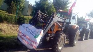 Przejazd traktorów  ma trwać cały dzień, zatem utrudnienia potrwają do wieczora, fot. R. Kobus