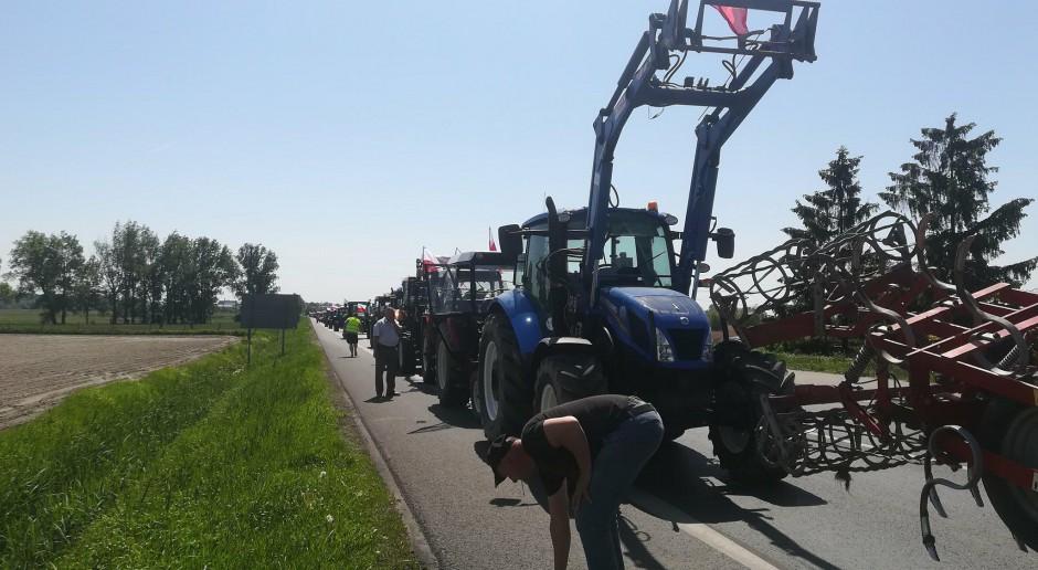 Rolnicy blokują DK 11 na trasie Bobolice-Koszalin