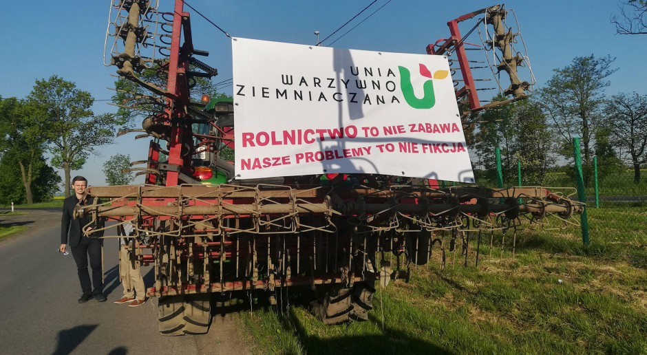 Wielkopolska: Protestujący rolnicy chcą przyjazdu do nich premiera albo ministra rolnictwa