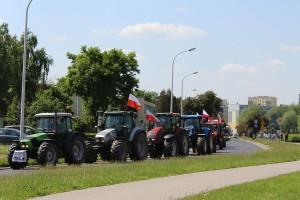 Kawalkada ciągników zablokowała główne arterie Sieradza.