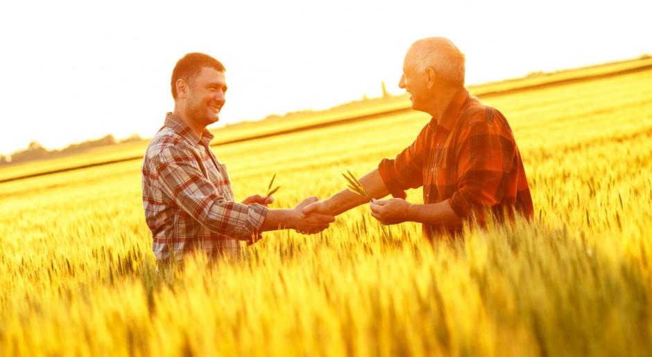 Jurgiel: Organizowanie się w spółdzielnie może pomóc drobnym rolnikom