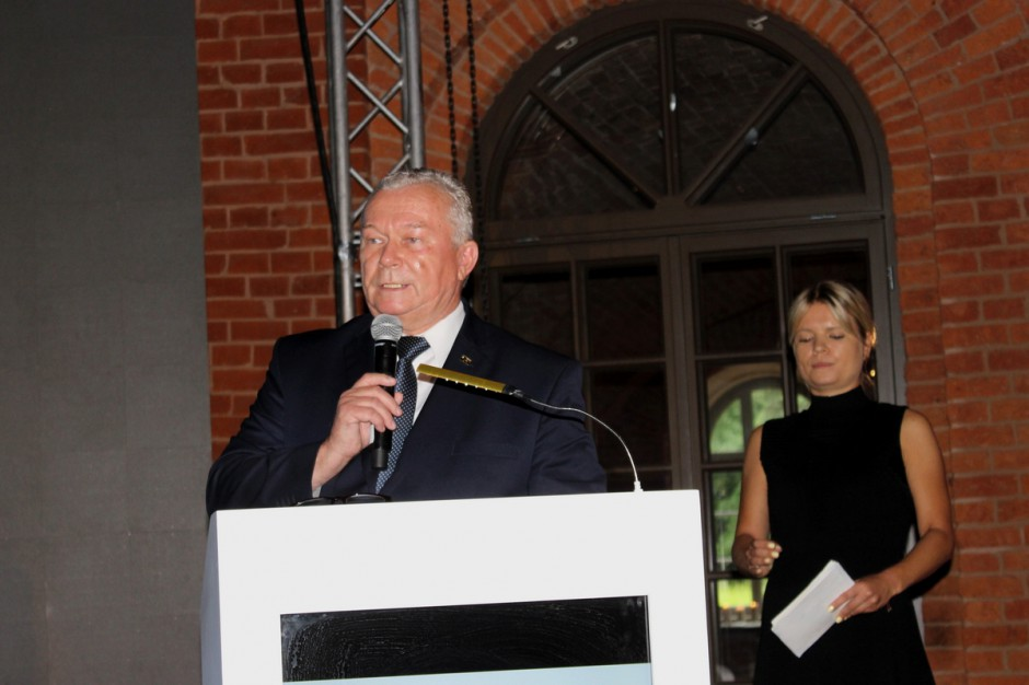 Prezydent PFHBiPM Leszek Hądzlik oraz prowadząca tegoroczną Galę Marta Manowska