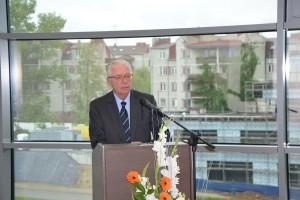 Prezes SDF Vittorio Carozza podczas inauguracyjnego przemówienia