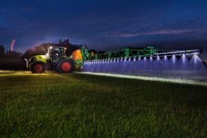 Oświetlenie belki opryskiwacza – lampy, a może taśmy LED?