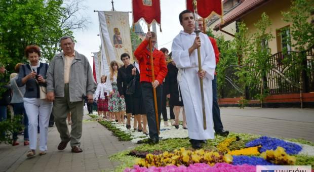 Kwiatowe dywany w Spycimierzu na liście UNESCO