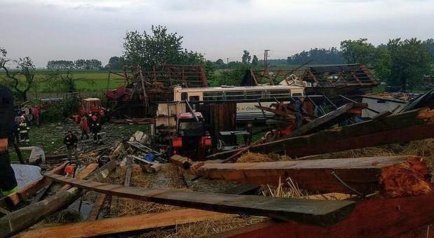 Trąba powietrzna zrujnowała trzy wsie na Mazowszu