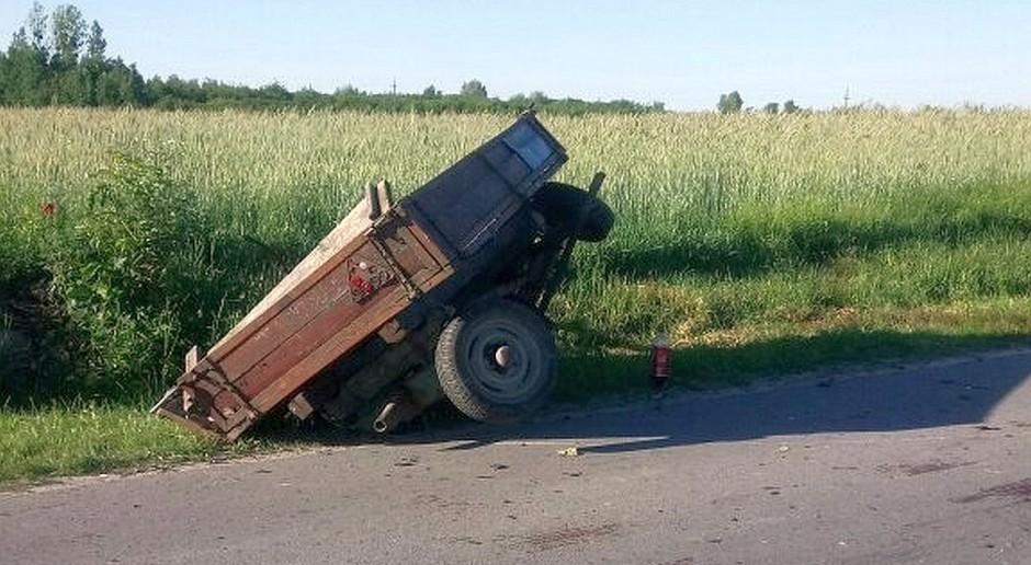Samochód najechał na wóz konny