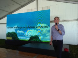 Leszek Cebulski opowiadał rolnikom o tendencjach cenowych związanych ze sprzedażą zbóż i rzepaku, fot. A. Kowalczyk