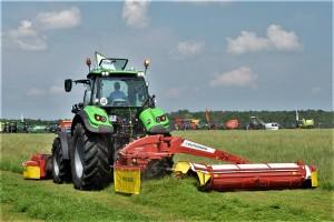 Skuteczność działania systemu Cross Flow rolnicy mieli okazję obserwować na Zielonym Agro Show podczas pracy kosiarki Novacat 352 CF